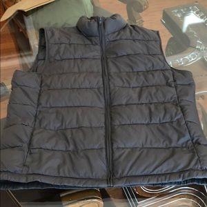 Banana Republic men's warm vest . Size medium